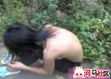美女打架撕光短裤视频
