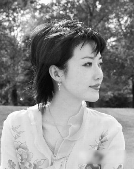 泰国美女总理年轻私房照曝光 泰国总理英拉老