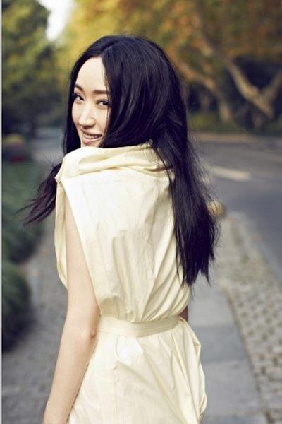 网友热议杨钰莹被多少人睡过?毛宁杨钰莹接吻视频 ...