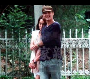男友周一围恋情曝光图片 童蕾与老公周一围吻戏结婚照片