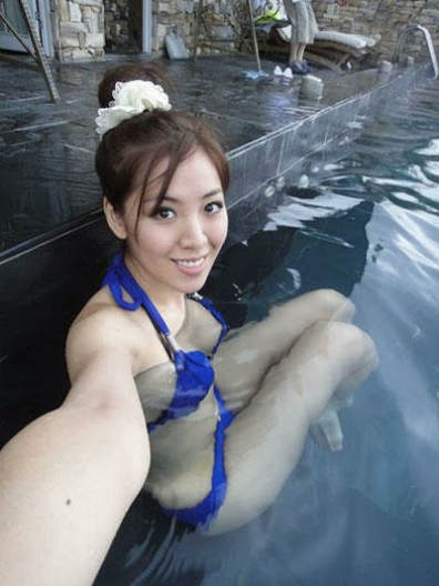 李宗瑞-asia_刘伊心比基尼被冲掉图片 刘伊心和李宗瑞照片 刘伊心为什么被骂
