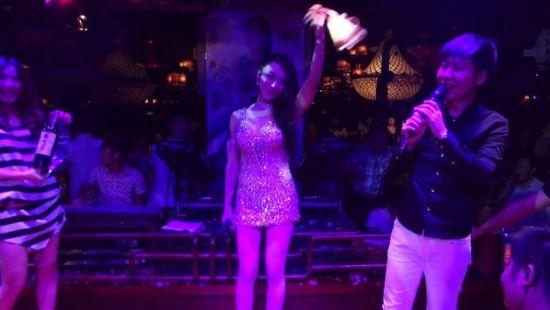 龚玥菲当众脱丁字裤拍卖图片 龚玥菲主演的3d电影新金瓶梅写真