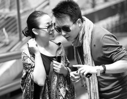 李玉刚老婆和女儿_李玉刚老婆是谁?李玉刚老婆范小宁和女儿照片_天涯八卦网
