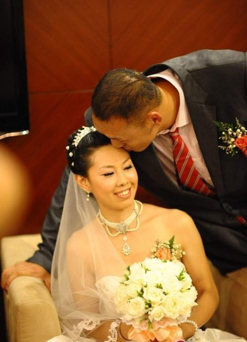 老婆不��i�_孙明明和女朋友徐艳大婚,老婆图孙明明和姚明站一起合影身高