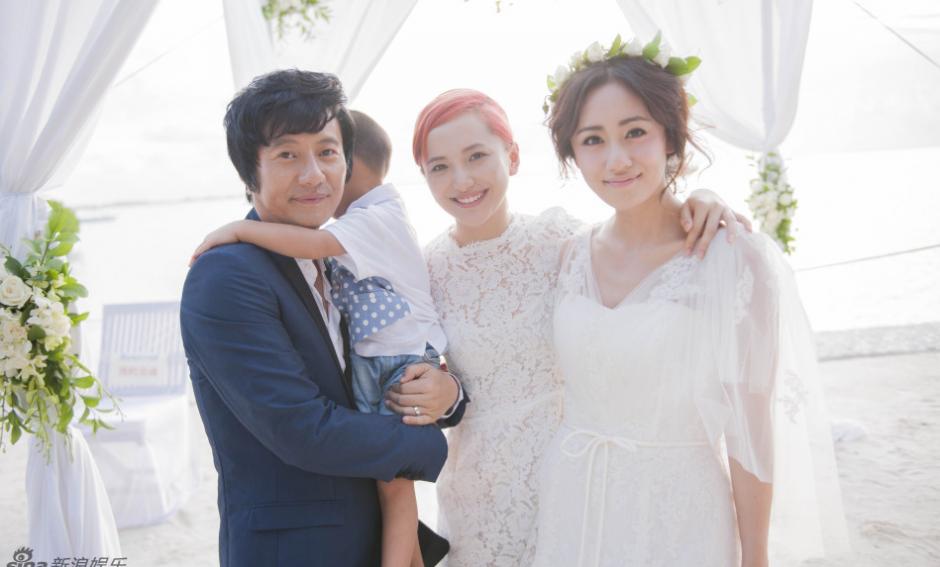 郑钧前妻老婆照片 郑钧的前妻孙峰及女儿图片