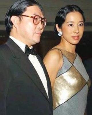霍震霆有多少个老婆霍震霆现任妻子照片霍震霆朱玲玲为何离婚