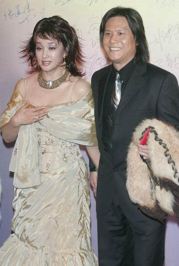 刘晓庆的丈夫阿峰的照片简历,老公阿峰现状 刘晓庆玩过多少男人