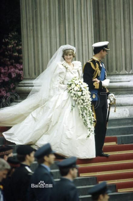 英国戴安娜王妃死亡图片 戴安娜王妃之死年轻写真,她的情人照片