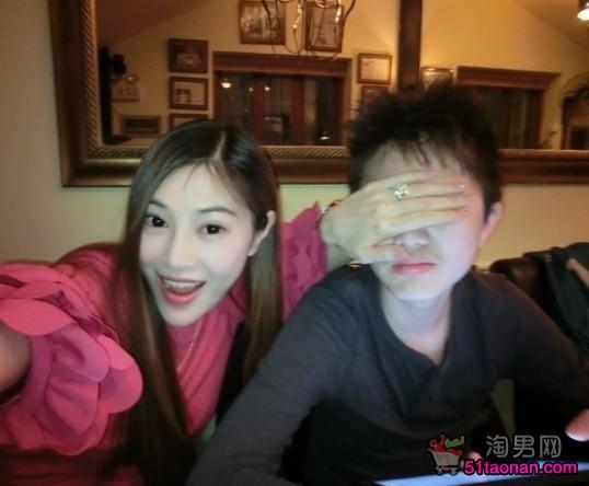 41岁辣妈吴玟萱整容前后照片,吴玟萱前夫老公个人资料
