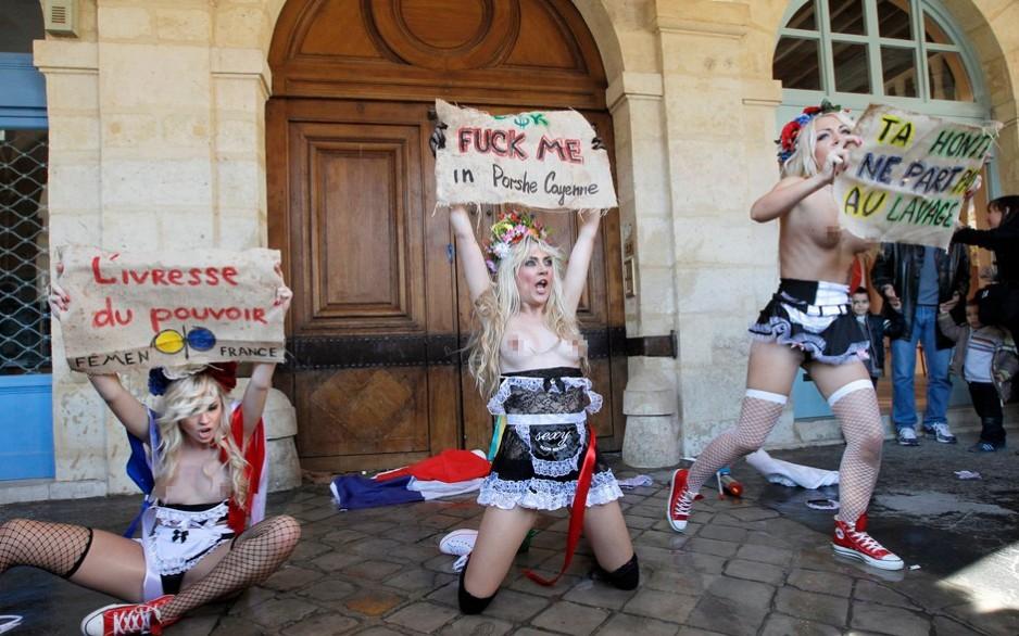 乌克兰女性裸胸抗议图片