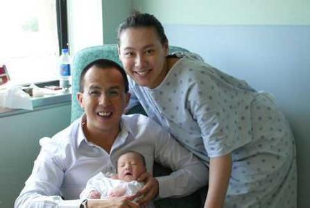 梁洛施三个儿子近况,梁洛施李泽楷儿子照片面相图片图片