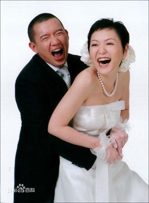 杜汶泽和老婆结婚照片,杜汶泽第一个老婆个人资料