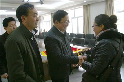 西宁市委书记毛小兵的妻子 毛小兵的老婆照片图片