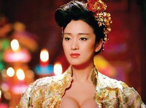 在男人眼里女人胸部的大小也影响男人对女人