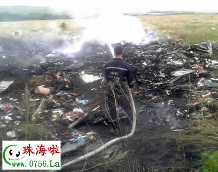 马航客机坠毁真实原因马航mh17客机坠毁现场