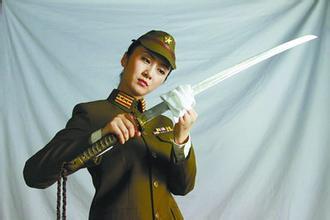 战败后的日本女人 日本战败女切腹图