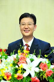 南京冯亚军个人资料背景照片 冯亚军被查原因