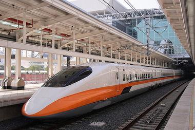 广州南站高铁到珠海航展馆珠海航展馆在珠海机场旁边.