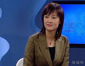 央视主持人李小萌近况,央视女主播李小萌老公,李小萌王雷家庭背景