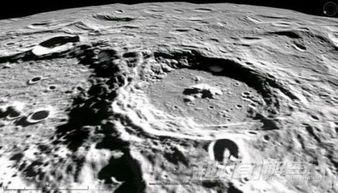 月球背面骇人秘密曝光,中国嫦娥三号在月球背面上发现外星人照片