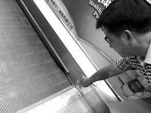电梯的紧急按钮在哪 电梯开关按钮图片 电梯按钮使用示意图图片