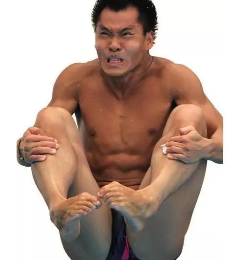 女跳水运动员尴尬图片