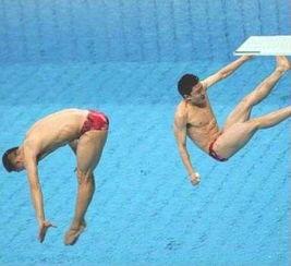 女跳水运动员的尴尬凸图片展示