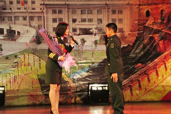 总政歌舞团领导名单简历,总政歌舞团最漂亮演员的工资女演员照片