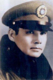 张灵甫的后代照片图子女现状几任妻子照片,张灵甫为何是中将军衔