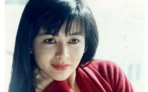 關之琳年輕時最美圖片 關之琳美貌毀了她一生怎么回事圖片