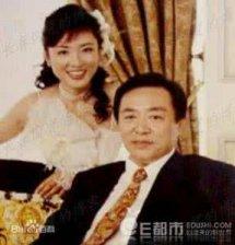 周涛的第一任老公是谁有多少钱简历现状,周涛老公和孩子照片资料