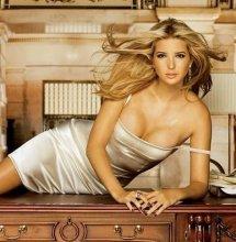 伊万卡.特朗普有多骚透视紧身裤照片?特朗普搂女儿伊万卡凸点图片