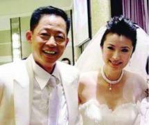 王志文有几任老婆图片,王志文为何娶陈坚红怎么认识的离婚了吗?