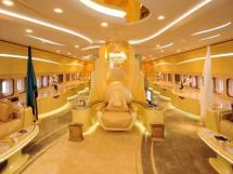 沙特为什么有国王老国王奢侈生活,沙特新国王有多少妻子多少王子