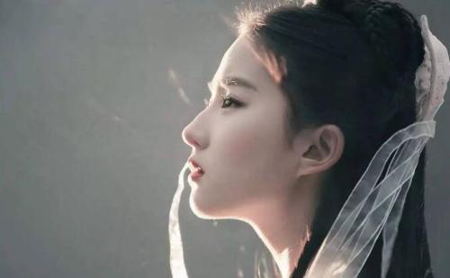 天涯扒皮刘亦菲堕胎惊人真相,刘亦菲15岁被曝怀孕两个