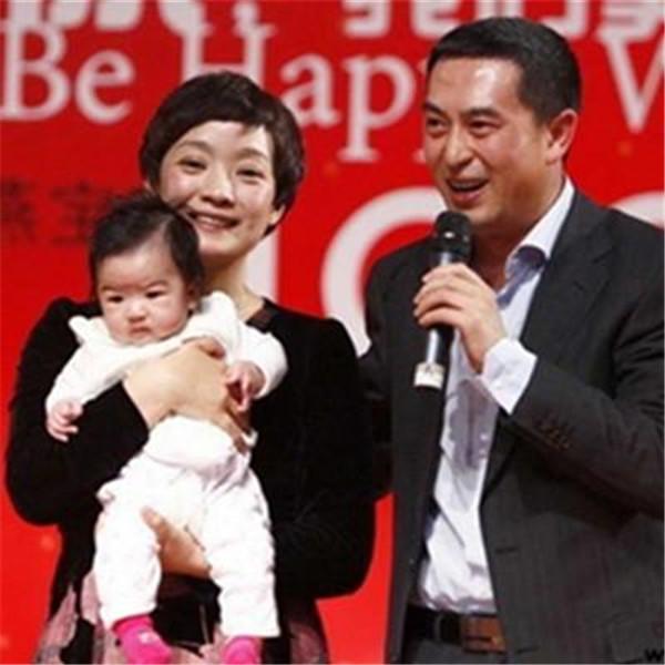 张嘉译前妻杜�B是谁简介有孩子吗,张嘉译为什么不要前妻离婚原因