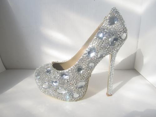 12星座女生的专属水晶鞋图片,十二星座所代表的水晶高跟鞋