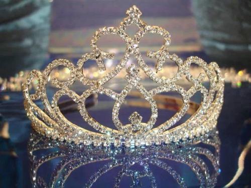 十二星座公主皇冠手绘图片