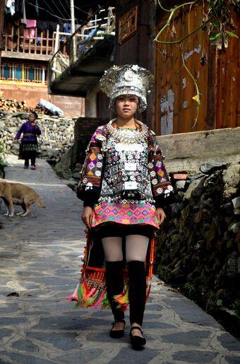 世界上最早的短裙族居然是苗族 短裙苗族裙子短到让男人流口水图