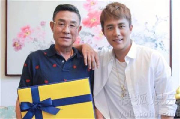 杜淳的母亲杨丽照片演过谁现任丈夫曝光,演员杜卫国的三任老婆