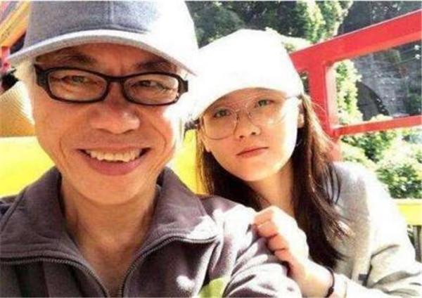 林靖恩为什么喜欢李坤城是缺少父爱吗,林靖恩大肚照怀孕了吗现状