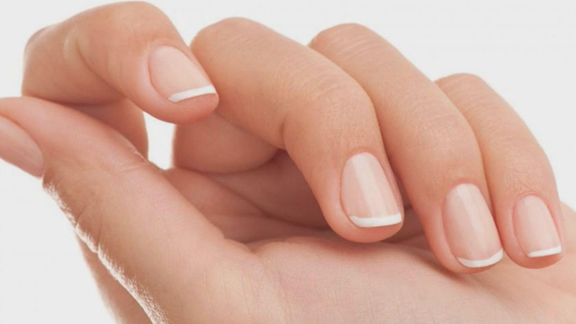 看指甲暗示身体疾病