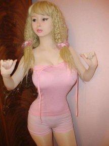 真人芭比Lolita Richi小时候长这样?看久了竟然有点恐怖怎么回事