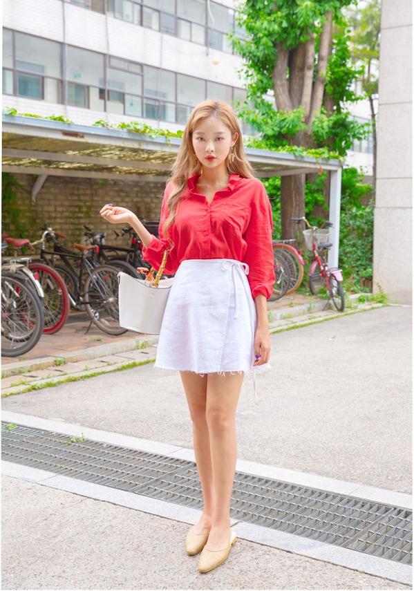 白色t恤配蓝色裤子_白色短裙搭配什么上衣图片 清纯甜美风就是这么简单_天涯八卦网