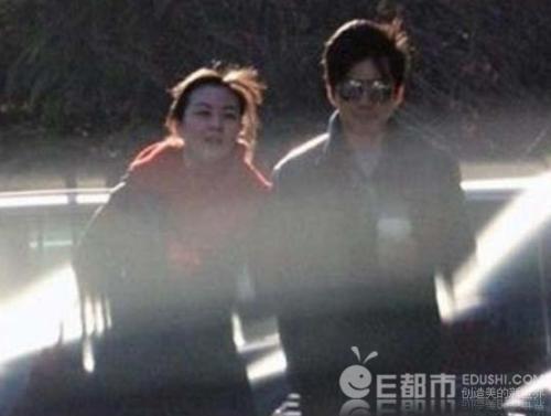 李健老婆孟小蓓_娱乐资讯           李健的妻子孟小蓓据说也是个白富美,不仅外形靓丽