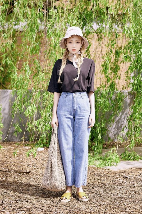 夏天阔腿牛仔裤如何搭配上衣好看图片 清新优雅更具时尚感