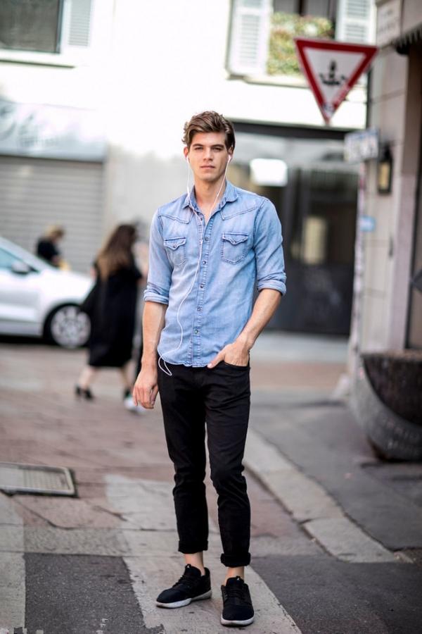 浅蓝色衬衫配什么裤子男搭配图片 穿搭清爽才能做气质型男
