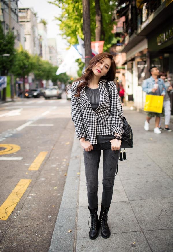 黑白格衬衫女搭配图片配什么鞋子 这几双鞋让你时髦有气质