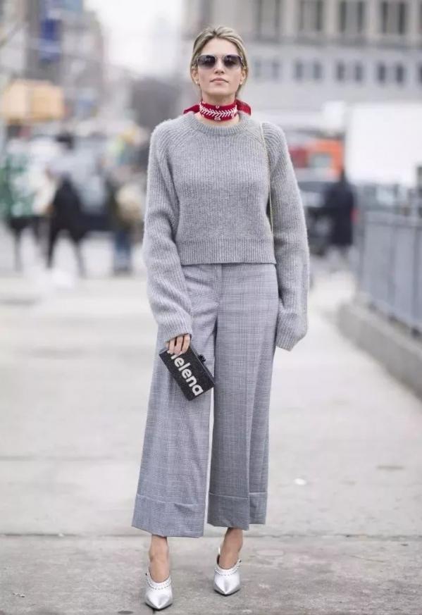 棕色的短靴怎么配_灰色毛衣怎么搭配好看配什么裤子女 高级灰怎么穿才高级_天涯 ...