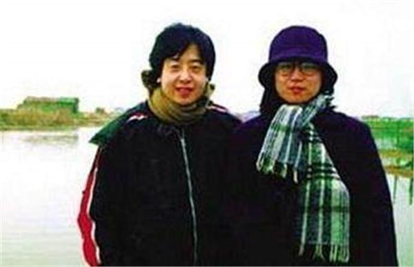 贾樟柯前妻朱炯资料什么时候离婚的,贾樟柯现任妻子是谁咋认识的